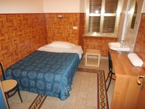 room 10singleBX