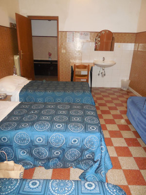 room5maleDormBX (2)