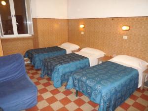 room5maleDormBX