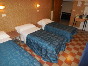 room5maleDormBX (4)